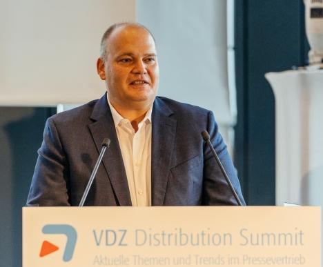 Klambt-Verleger Lars Joachim Rose hielt die erste Keynote auf dem 11. VDZ Distribution Summit, der am 5. und 6. September in Hamburg stattfindet. Foto: Oliver Reetz - Hanseshot